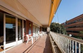 Magnificent flat with terrace to be renovated near Turó Park on a presence building for 2,350,000 €