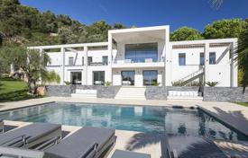 Luxury 6 bedroom houses for sale in Côte d'Azur (French Riviera). Two-storey modern villa with a pool and a garden, overlooking the sea, Villefranche-sur-Mer, Côte d'Azur, France