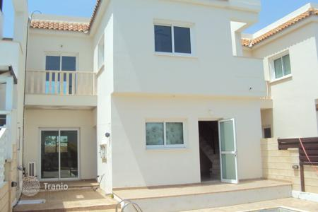 Coastal townhouses for sale in Protaras. 3 Bedroom TownHouse with Pool and Roof Garden