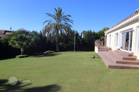 4 bedroom houses for sale in Estepona. Quality renovated Villa at Estepona? New Golden Mile?