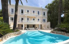 Luxury residential for sale in Mont Boron. Villa – Mont Boron, Nice, Côte d'Azur (French Riviera), France