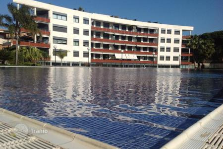 Apartments with pools for sale in Costa Dorada. Apartments on the seafront in Cambrils