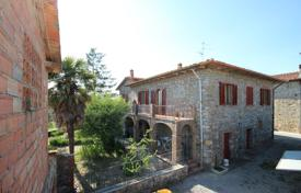 4 bedroom houses for sale in Tuscany. Villa – Castelnuovo Berardenga, Tuscany, Italy