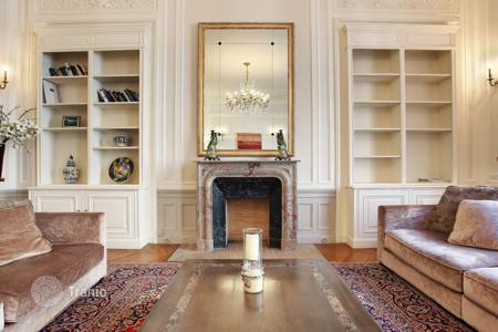 3 bedroom apartments to rent in Paris. PARIS 16/ PLACE ETATS UNIS — FURNISHED FAMILY APARTMENT