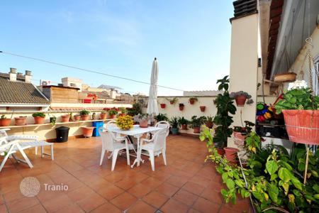 Cheap 4 bedroom apartments for sale in Catalonia. Apartment - Lloret de Mar, Catalonia, Spain