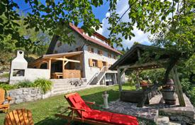 4 bedroom houses for sale in Slovenia. This is a simply stunning 4 bedroom, 3 bathroom house with mountain and sea views, beautiful natural surroundings, renovated in 2012