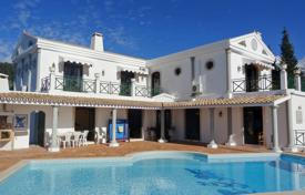 5 bedroom houses for sale in Algarve. Hilltop 4 Bedroom Villa with Pool, Tennis, Annex & Panoramic Sea Views, near Albufeira
