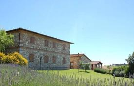 Luxury residential for sale in Asciano. Villa – Asciano, Tuscany, Italy