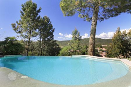 Residential to rent in Fayence. Villa – Fayence, Côte d'Azur (French Riviera), France