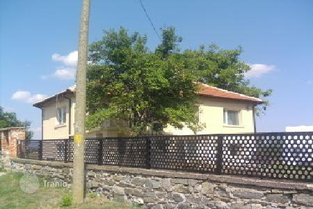 Cheap houses with pools for sale in Bulgaria. Townhome - Yambol (city), Yambol, Bulgaria