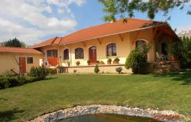 Houses for sale in Gödöllő. Detached house – Gödöllő, Pest, Hungary