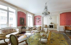 Luxury 4 bedroom apartments for sale in Paris. Paris 16th District – A magnificent near 400 m² apartment between Avenue Victor Hugo and Avenue Foch. Rue Spontini.