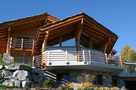 Cheap houses for sale in Central Europe. Chalet in a delightful village on the Swiss Alpine resort of Ovronnaz