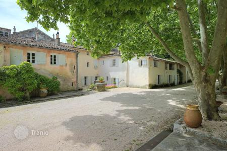 Residential for sale in Flayosc. Private Chateau Provence
