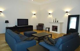 Furnished apartment in an ancient residence, in the V district of Budapest, Hungary for 915,000 $