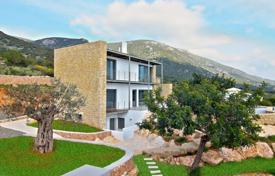 3 bedroom villas and houses by the sea to rent in Administration of the Peloponnese, Western Greece and the Ionian Islands. Villa – Peloponnese, Greece
