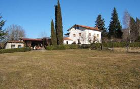 Property for sale in Aulla. Villa – Aulla, Tuscany, Italy