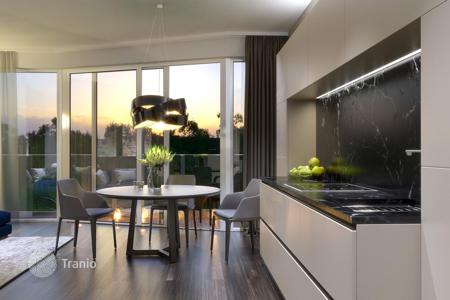 4 bedroom apartments for sale in Germany. Respectable 2-level penthouse in a luxury residential complex with a garden on the roof, Berlin