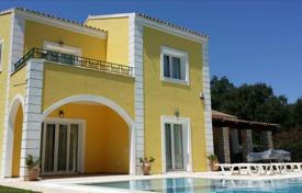 4 bedroom houses by the sea for sale in Corfu. Villa – Corfu, Administration of the Peloponnese, Western Greece and the Ionian Islands, Greece