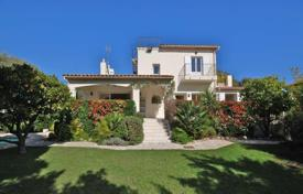5 bedroom houses for sale in Antibes. Fully refurbished villa — West side of Cap d'Antibes
