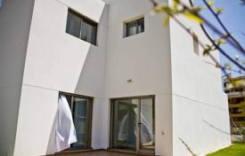 Townhouses for sale in Valencia. Townhouses of 3 bedrooms 2 minutes from Punta Prima Beach
