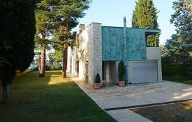 Luxury residential for sale in Umag. Comfortable villa in the vicinity of Umag