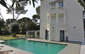 Luxury 4 bedroom houses for sale in Antibes. Cap d'Antibes -Sea View — Ville for sale