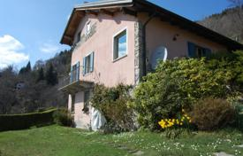 Property for sale in Piedmont. Ancient stone villa with a large plot of land and a view of the lake and mountains in Quarna — Sotto, Piedmont, Italy