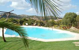 Property to rent in Costa Smeralda. Villa – Baja Sardinia, Sardinia, Italy