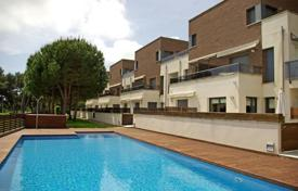2 bedroom apartments for sale in Castell Platja d'Aro. Apartment – Castell Platja d'Aro, Catalonia, Spain