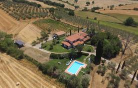 Renovated villa with a pool and a garden in Grosseto, Tuscany, Italy for 1,380,000 €