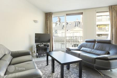 2 bedroom apartments for sale in 16th arrondissement of Paris. Paris 16th District – A stone's throw from Auteuil Village