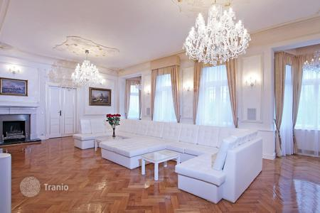 Luxury apartments for sale in the Czech Republic. Five-room apartment overlooking the Riegrovy gardens in the prestigious district of Prague