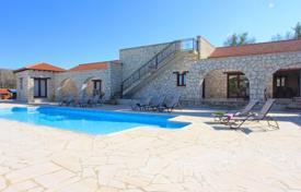 6 bedroom houses by the sea for sale in Cyprus. Detached Stone Villa, 6 Bedrooms close to Luxury Spa Resort — Giolou