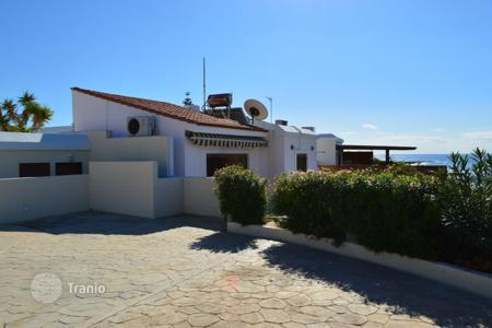 Chalets for sale in Paphos. 2 Bed Rooms Detached Villa, 1st Line to the Sea — Chlorakas