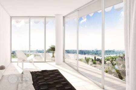 Property for sale in North Rhine-Westphalia. Modern apartment with a balcony in the new house with a view of the Rhine, one of the most prestigious areas of Düsseldorf, Herdt