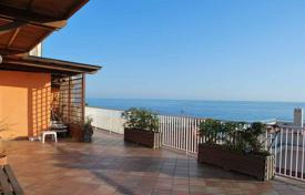 3 bedroom apartments for sale in Bordighera. Penthouse with stunning sea views only 10 meters from the beach