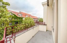 5 bedroom apartments for sale in Central Europe. Spacious apartment with an elegant interior in Berlin