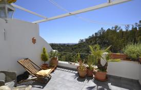 Cheap apartments for sale in Benahavis. Apartment for sale in Puerto del Almendro, Benahavis