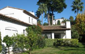 Property to rent in Provence - Alpes - Cote d'Azur. Cap d'Antibes — 300 meters away from the sea