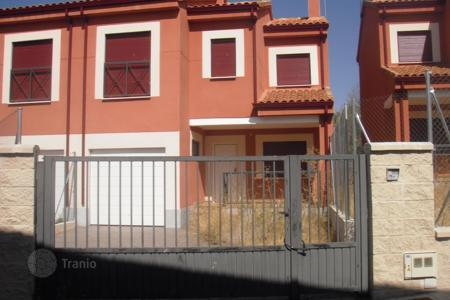 4 bedroom apartments for sale in Castille and Leon. Apartment – Avila (Valle de Ambles y Sierra de Avila), Castille and Leon, Spain