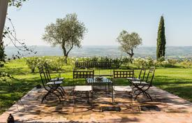 Residential for sale in Umbria. The beautiful restored farmhouse in Orvieto