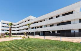 Coastal apartments for sale in Costa Dorada. New two-bedroom apartment with a terrace, 100 meters from the beach, L'Ametlla de Mar, Spain