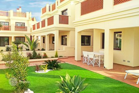 Coastal apartments for sale in Murcia. Apartments with private garden on first line in La Serena Golf, Los Alcázares