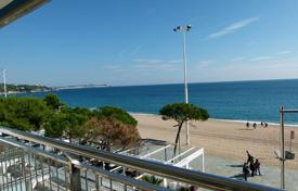 4 bedroom apartments for sale in Catalonia. Apartment – Castell Platja d'Aro, Catalonia, Spain