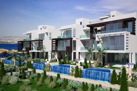 Townhouses for sale in Paphos. Exquisite Frontline Bungalows, Condos and Penthouses — 300m to New Marina, Kissonerga