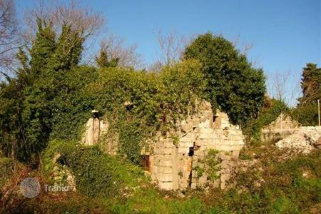Land for sale in Herceg-Novi. Ruin with great scenery, Smilovichi, Lustica