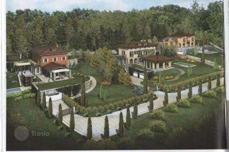 Luxury houses with pools for sale in Maggiore (Italy). Lake Maggiore. Verbania. Three luxury Villas under construction