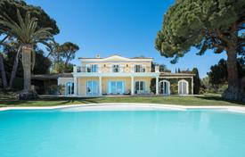 Luxury 5 bedroom houses for sale in Cannes. Cannes — Majestuous Florentine villa