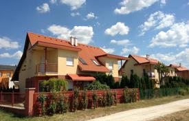 3 bedroom apartments for sale in Lake Balaton. Two-level apartment with a private garden and a garage in Heviz, Hungary